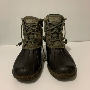 Sperry Womens Saltwater Quilted Boots